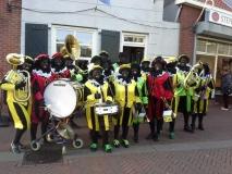 Zwarte Pieten Band in de Voorstraat
